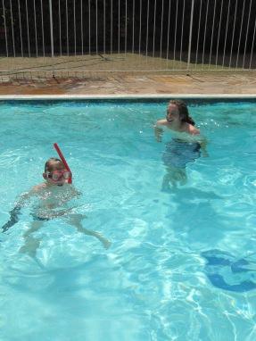 Premier plongeon dans la piscine