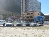 Surf shops et cafés bien sympa sur la côte de Muizenberg