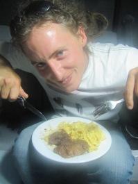 Dav estv content de manger de la viande!