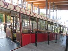 le cable car de Wellington qui nous couduit en haut de la montagne et laisse une vue imprenable sur la ville