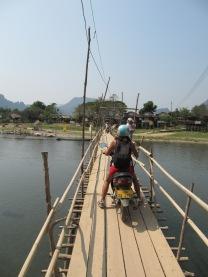 Passage de pont en moto...c'est pas simple!
