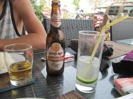 Cambodia beer pour Dav et Lemon juice pour moi. La même tous les jours!