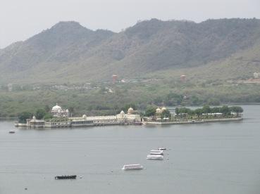 vue du city palace sur le lac Pichola