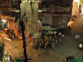 Le soir en bas du temple