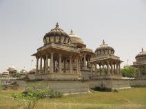 Plus grand cimetière d'Inde avec les tombes de maharadjah